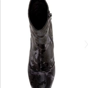 1e906583c87 Steve Madden Shoes - Steve Madden Goldie Block Heel Mid Boot Black Sz 8